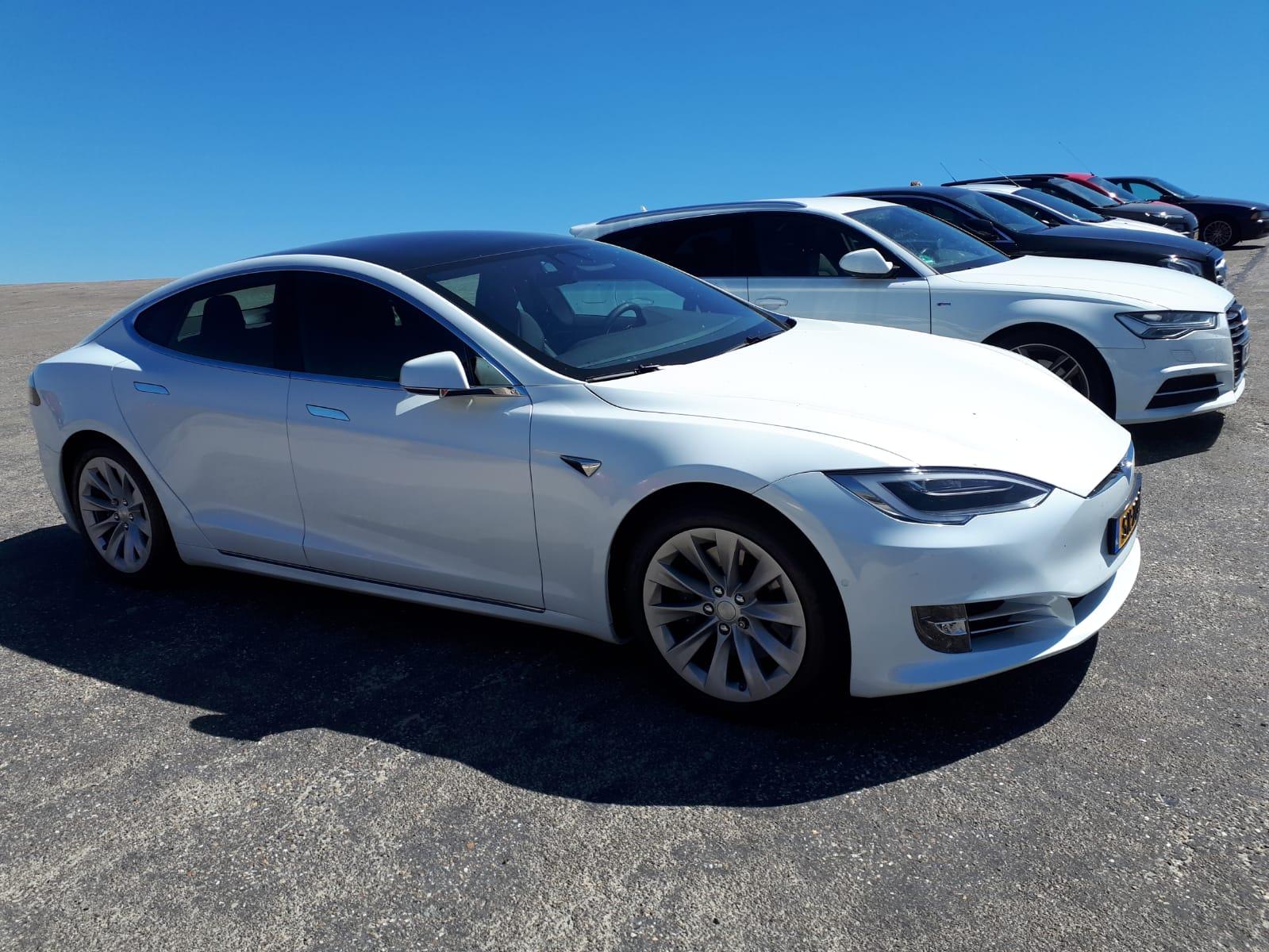 Tesla, de Femme Fatale op de weg