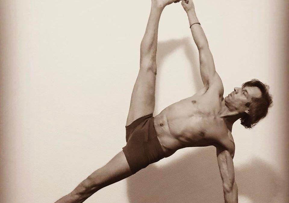 Yoga-oefeningen voor thuis - Goran Kavcic - Chantal Magazine